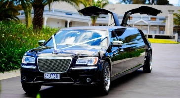 wedding-car-hire-Melbourne-Chrysler-300c-Enrik-Limousines-image-1-3023.jpg