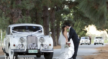 wedding-car-hire-Perth-Jaguar-Mark-IX-Belle-Classic-Limousines-image-1-3192.jpg