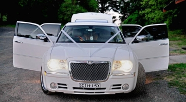 wedding-car-hire-Sydney-Chrysler-300c-Alvira-Limousine-Hire-image-1-2902.jpg