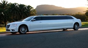 wedding-car-hire-Sydney-Chrysler-300c-DeBlanco-Wedding-Cars-image-1-2795.JPG
