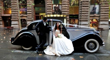 wedding-car-hire-Sydney-Jaguar-Mark-V-Broadway-Limousines-image-1-3131.jpg