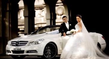 wedding-car-hire-Sydney-Mercedes-E-Class-WOW-Limousines-image-1-2886.jpg