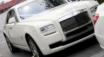 wedding-car-hire-Sydney-Rolls-Royce-Ghost-DeBlanco-Wedding-Cars-image-1-2799.JPG