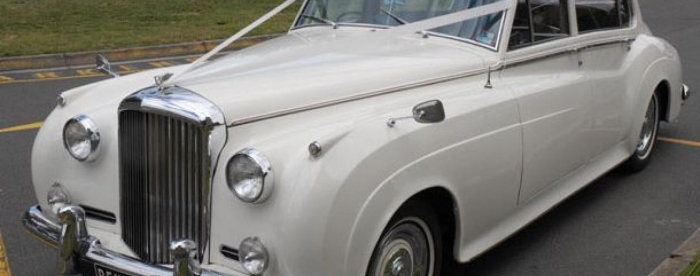 Choosing a Luxury Bentley Model for the Best Classic Car Hire Melbourne has to Offer